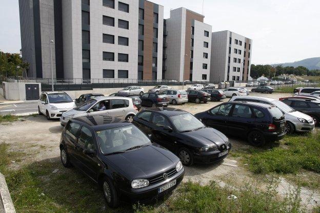 La finca elegida para ubicar el área de autocaravanas se utiliza ahora como aparcamiento