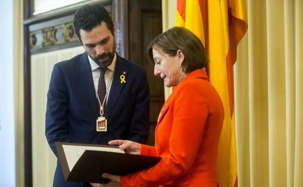 Carme Forcadell y Roger Torrent./Efe