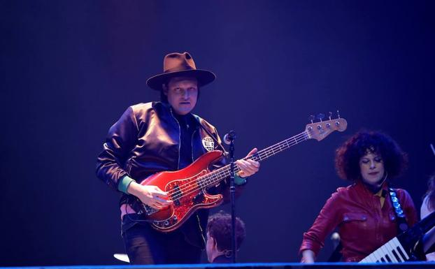 La banda canadiense de rock Arcade Fire toca en Madrid.