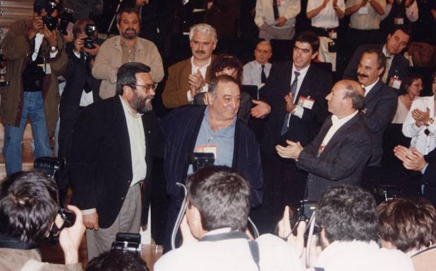 Cándido Méndez releva a Nicolás Redondo en 1994.