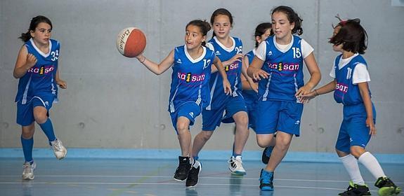 Casi 12.000 niños y jóvenes están federados esta temporada en el deporte  escolar en Cantabria. af186e3a47f18